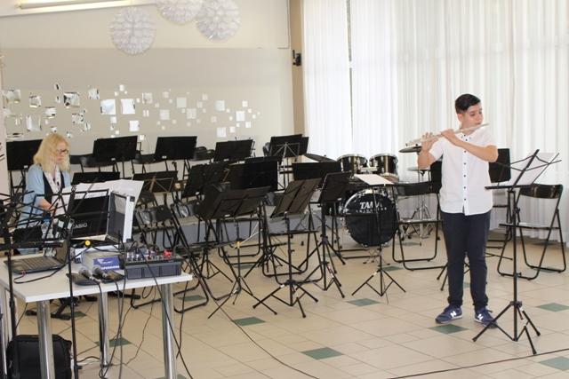 """Wakacyjne Warsztaty Muzycznych , """"Czas na muzykę"""" Zdj. Nr 7"""
